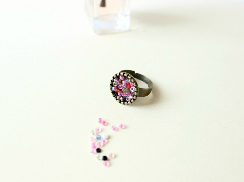 tutorial-easy-ring-with-tiny-beads-1024x761