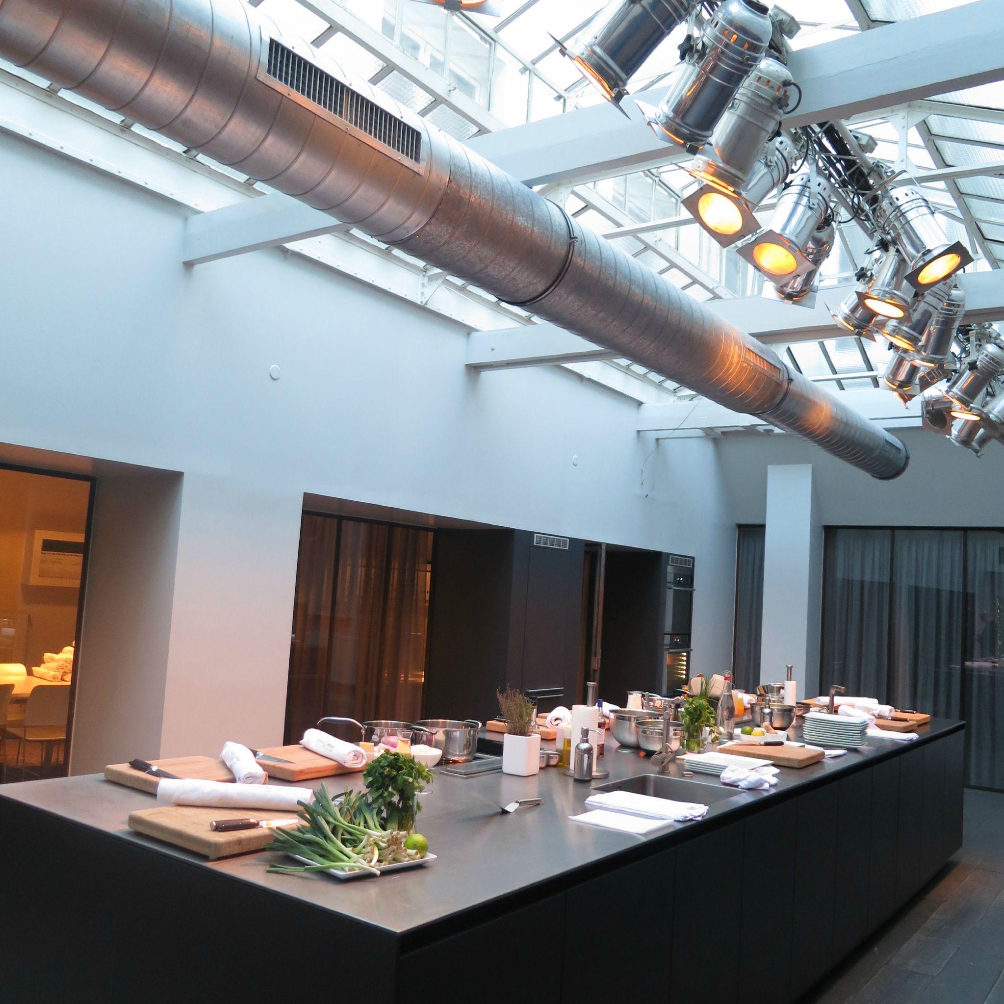 atelier cuisine attitude cyril lignac. Black Bedroom Furniture Sets. Home Design Ideas