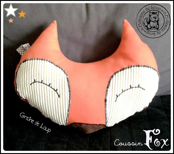 coussin Fox polaire orange velours blanc