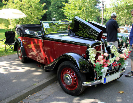 Adler_trumph_junior_cabriolet_de_1938__34_me_Internationnales_Oldtimer_meeting_de_Baden_Baden__01