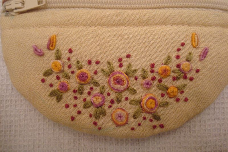 Zoom 2 broderie