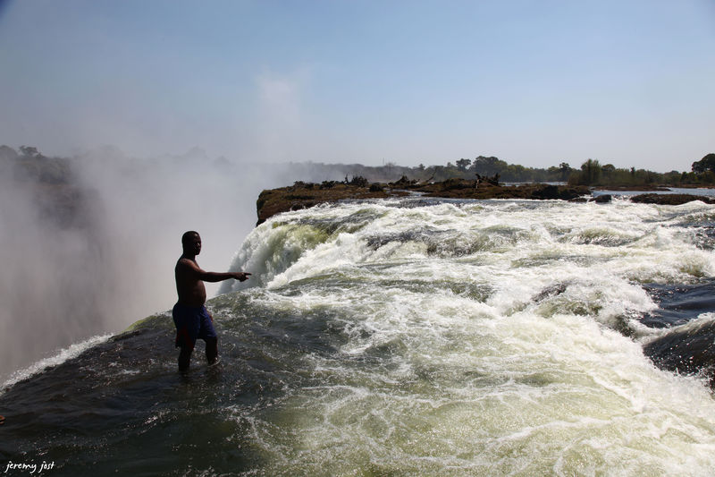 Photo du jour the devil 39 s pool at the victoria falls for Chutes victoria piscine du diable