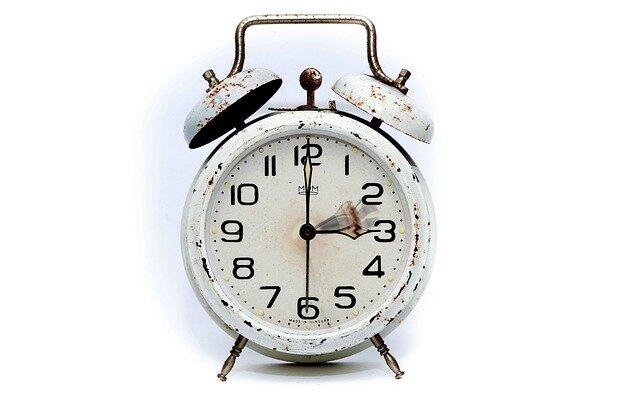 alarm-clock-2175382_640
