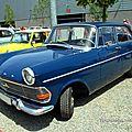 Opel rekord berline 4 portes de 1962 (RegioMotoClassica 2011) 01