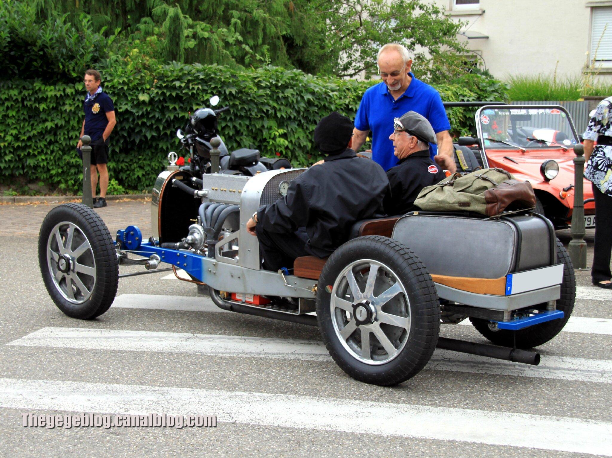 Bugatti type 35 roadster (Retrorencard aout 2013) 02