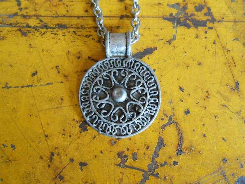 collier celtique ( ref: CO026 ) 25 euros