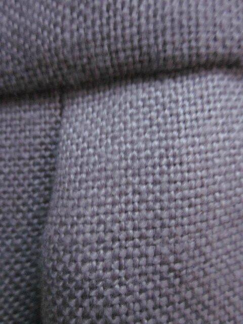 Manteau AGLAE en lin épais parme surané fermé par 3 pattes de boutonnages et quelques boutons de nacre (1)