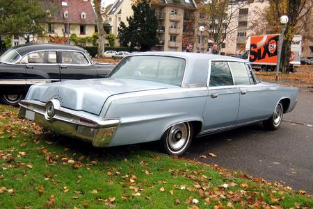 Imperial crown hardtop sedan de 1965 (Retrorencard novembre 2010) 02