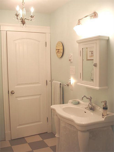 Pin petite shabby romantic french country cottage mirror ornate creamy on pin - Salle de bain shabby chic ...