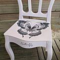 ♥ p'tit papillon sur une chaise !