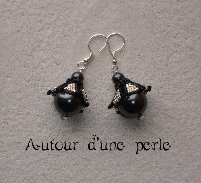 Pendulum black