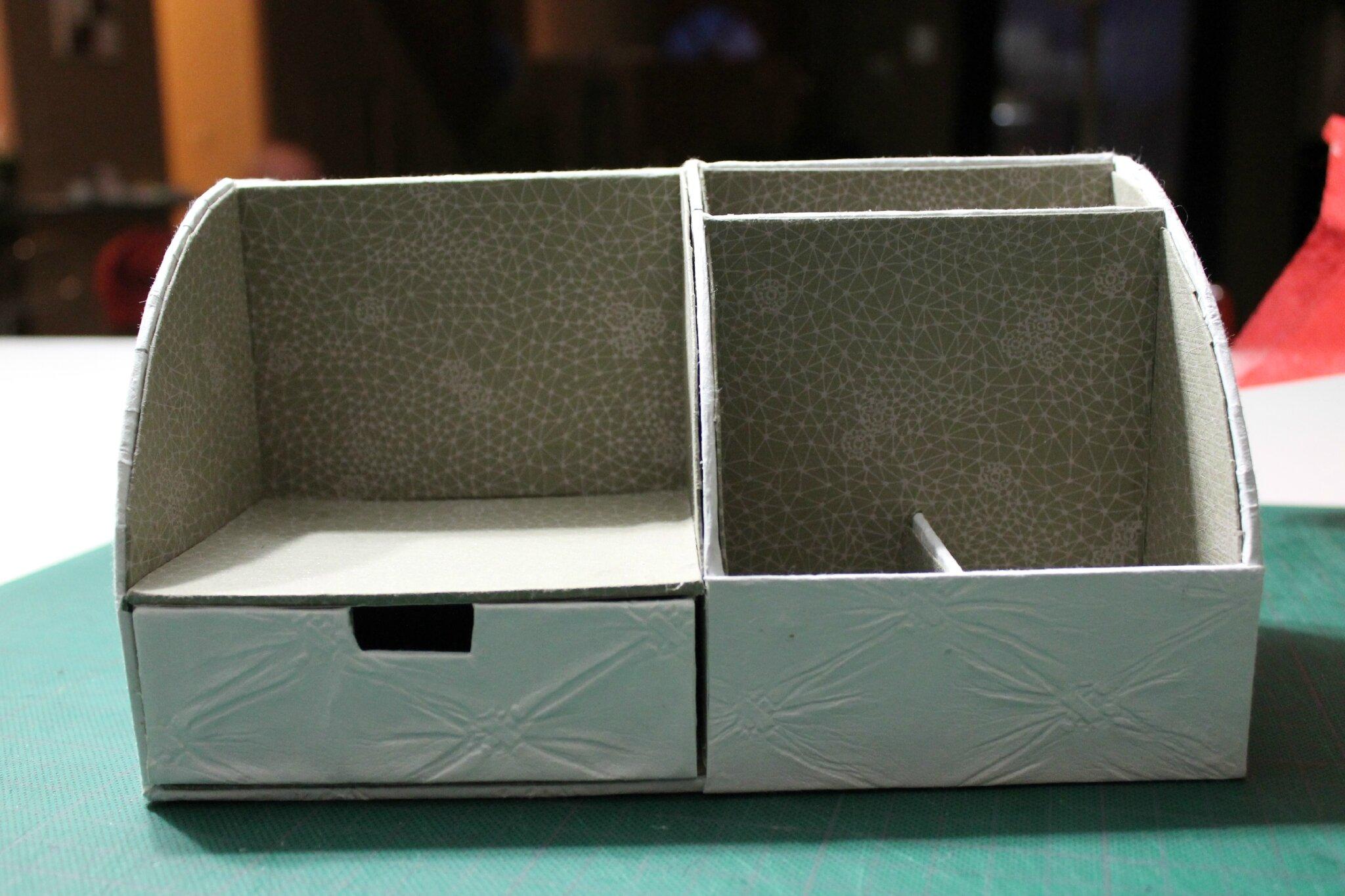 organisateur de bureau fin d d cartonne. Black Bedroom Furniture Sets. Home Design Ideas