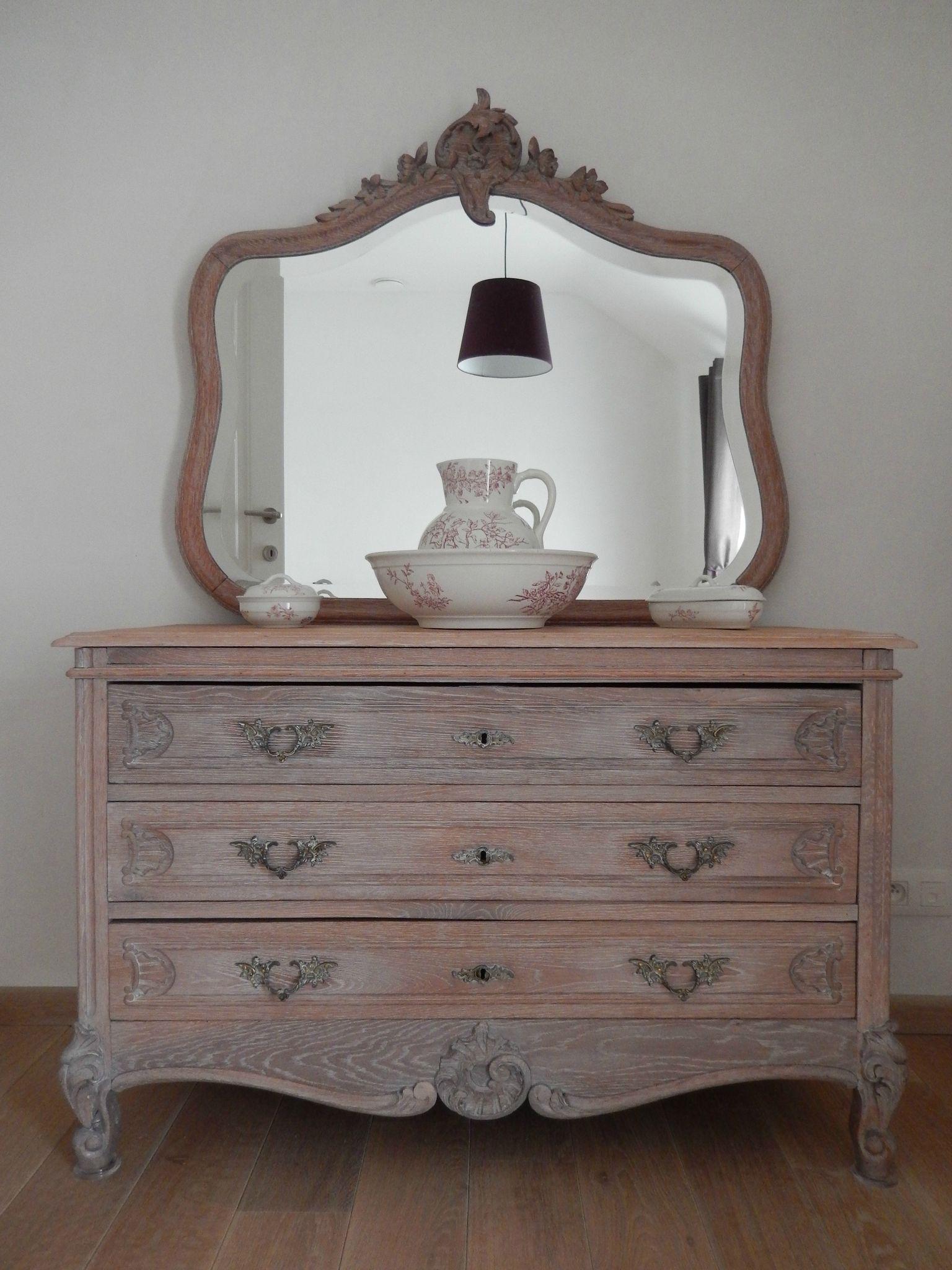vieux meubles de famille la suite coquelicot des sables. Black Bedroom Furniture Sets. Home Design Ideas