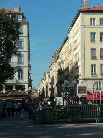 Lyon juil 12 015
