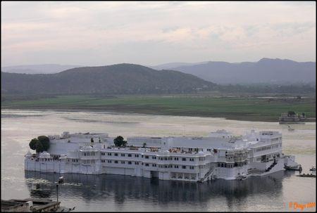 Lake_Palace_Hotel_Udaipur_2