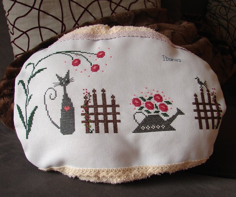 5_iphig_nie_coussin_pour_chat_ibanez