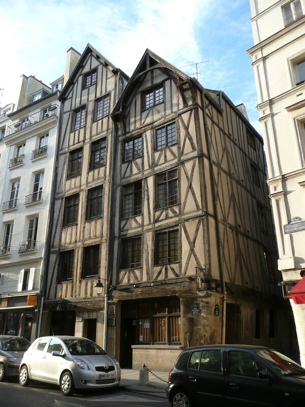 11_Rue_Fran_ois_Miron_Demeures_m_di_vales___Paris__France_