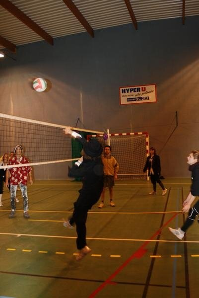 2010-12-16_volley_deguise_53