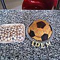 Ballon de foot mousse chocolat au lait insert mousse chocolat blanc