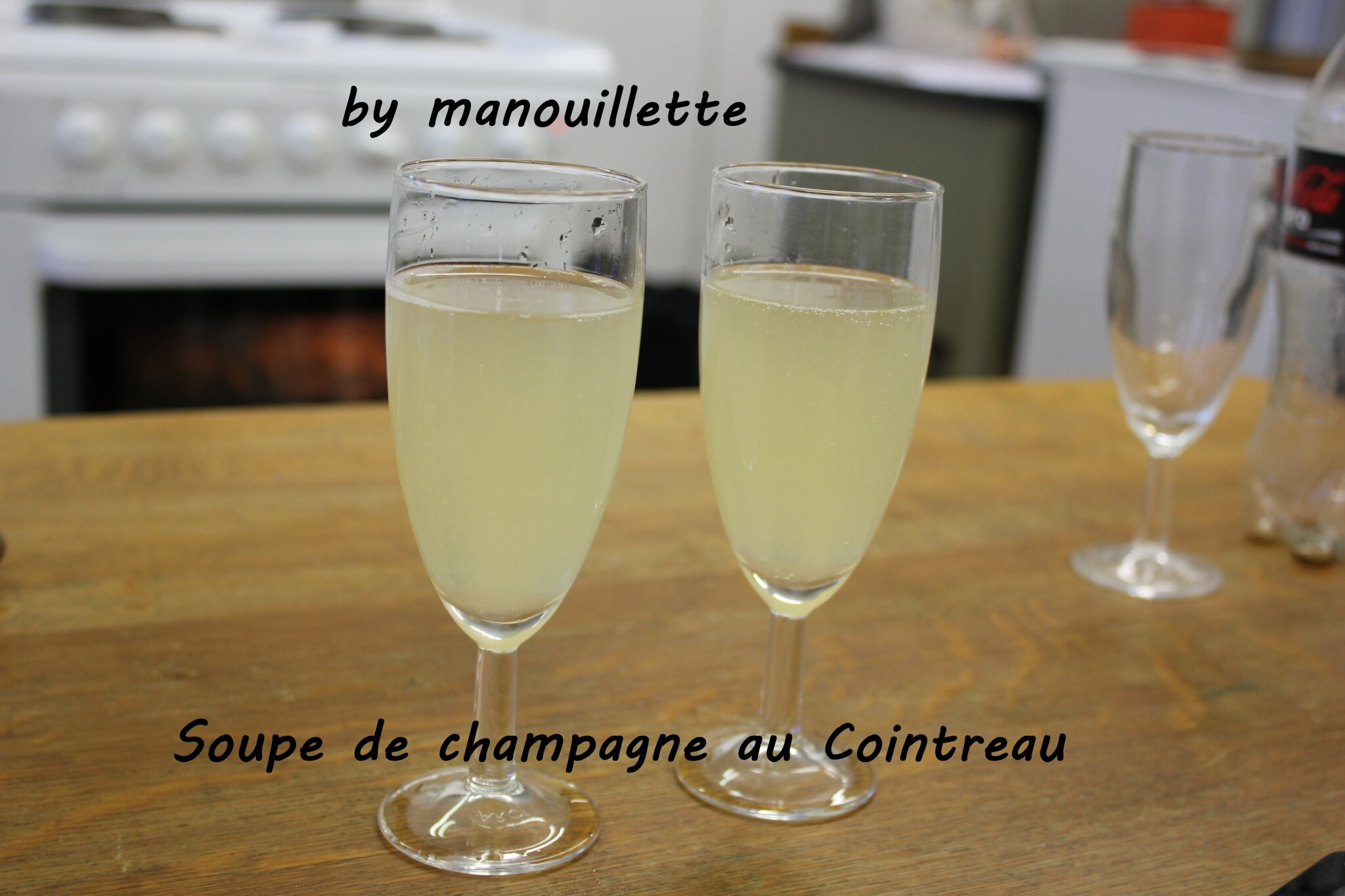soupe de champagne au cointreau par pure gourmandise. Black Bedroom Furniture Sets. Home Design Ideas
