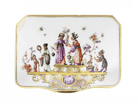 A_Meissen_gold_mounted_snuff_box__circa_1735_40_