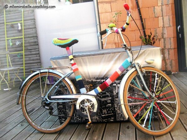 customisation bike yarnbombing