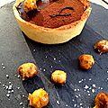 Tarte individuelle au chocolat, noisettes caramélisées à la fleur de sel