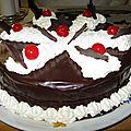 Gâteau à la fleur d'oranger et au chocolat fondant