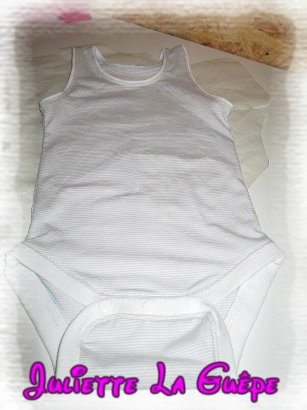 body blanc rayé gris 6a