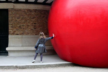 7_Redballproject_Luxembourg__enfance__9199