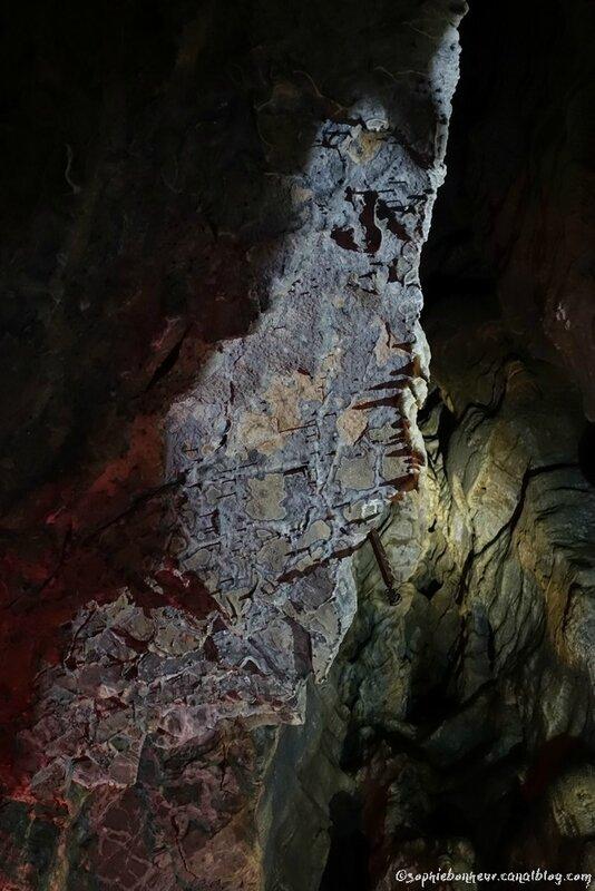 J4 grotte roche