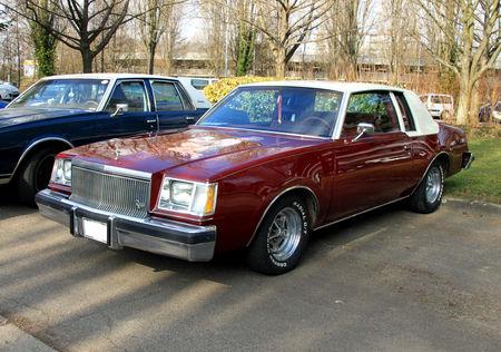 Buick_regal_coupe_de_1978__Retrorencard_mars_2011__01