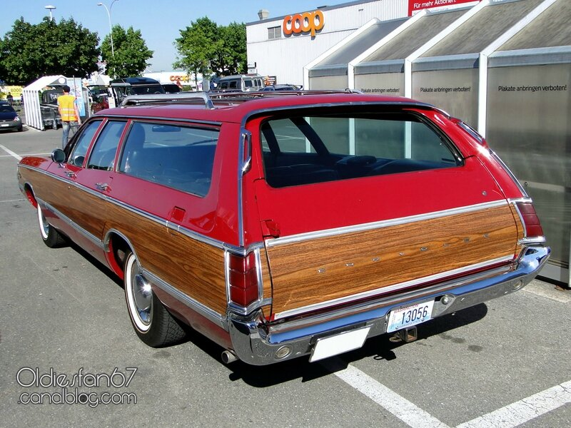 chrysler-town-and-country-1969-02