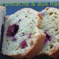 Cake à la pistache & aux framboises