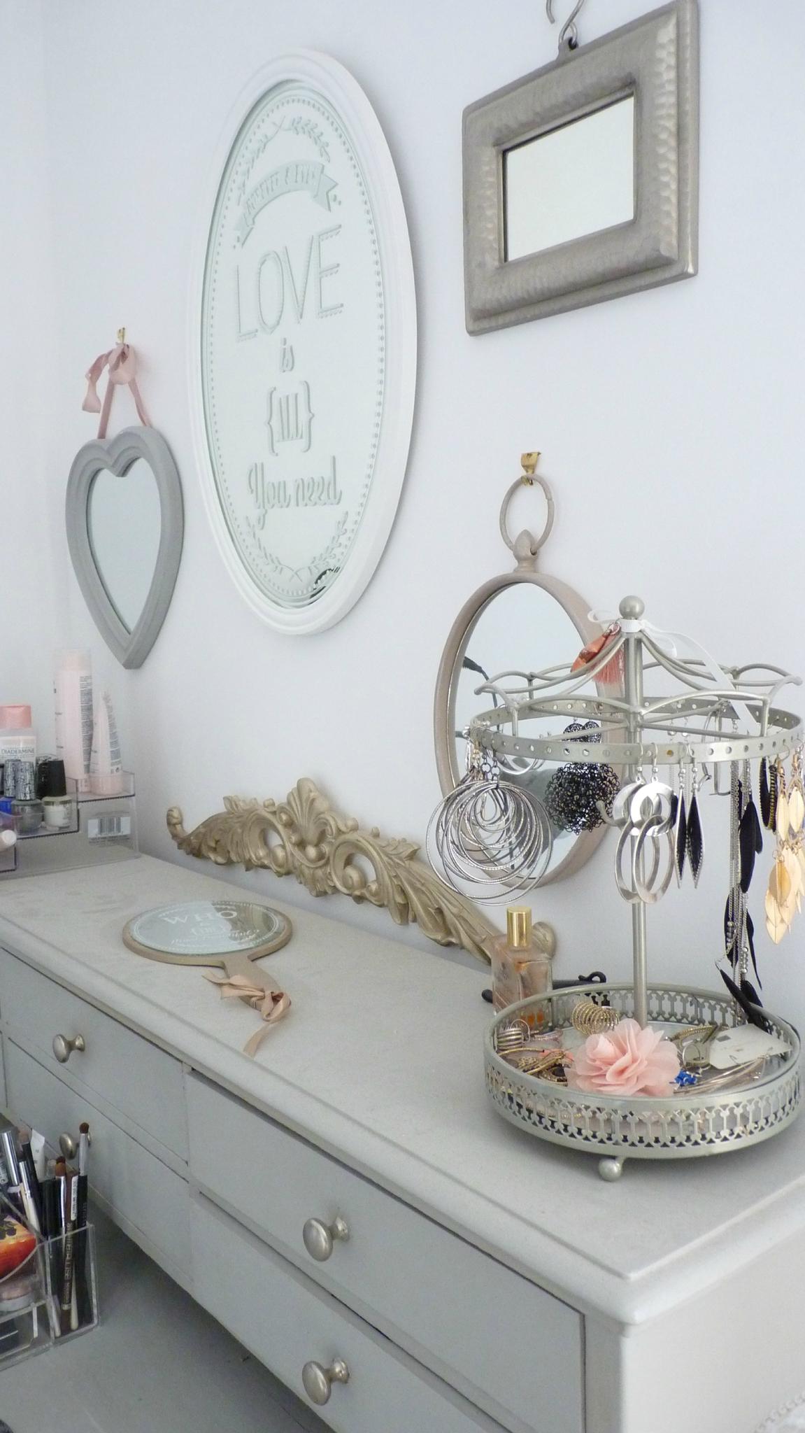 maison du monde la valentine bougie sucettes coeur maison. Black Bedroom Furniture Sets. Home Design Ideas
