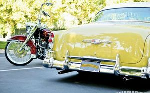 lrmp_1007_37_o+1953_chevrolet_bel_air+and_2004_harley_road_king