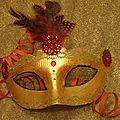 Décoration d'un masque de carnaval