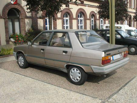 Renault9Broadwayar1