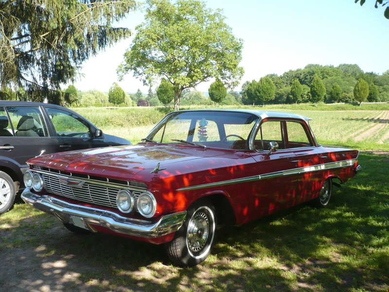 CHEVROLET Impala 4door Sedan 1961 Kenzingen (1)