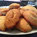 Mini-madeleines au beurre de cacahuète.