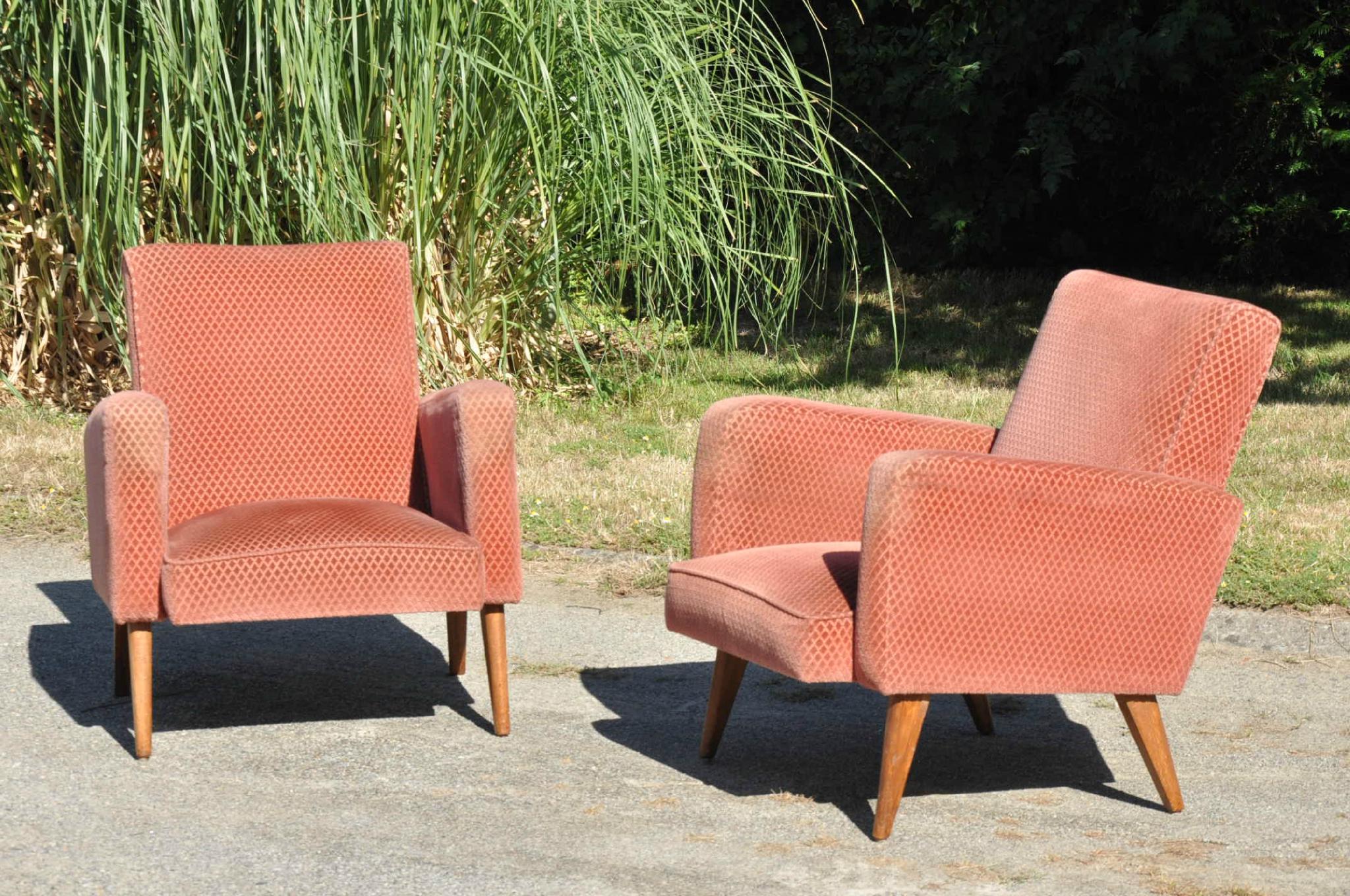 paire de fauteuils des annees 50 articles vendus antiquit s du vingti me. Black Bedroom Furniture Sets. Home Design Ideas