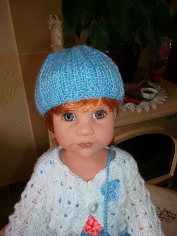 Ingrid vous montre son joli bonnet bleu