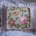 Floral & Roses Barkcloth pillow 001