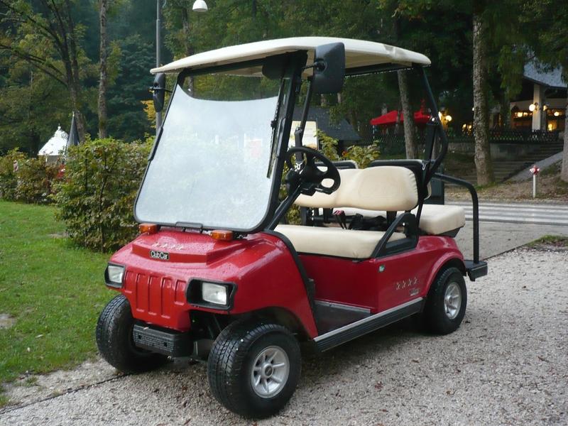 CLUB CAR Villager 2+2 voiturette électrique Bled (1)