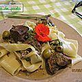Cocotte de boeuf aux câpres et olives.