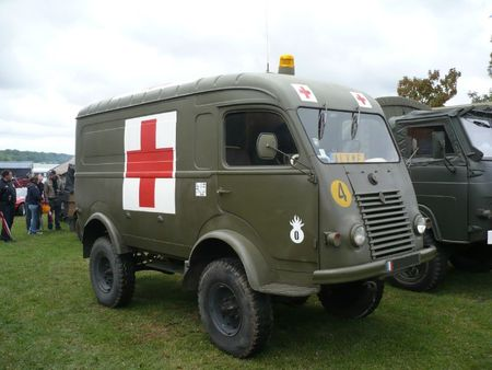RENAULT Goélette R2087 ambulance militaire Madine (1)