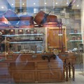 Self portrait november : devant la vitrine du chocolatier...
