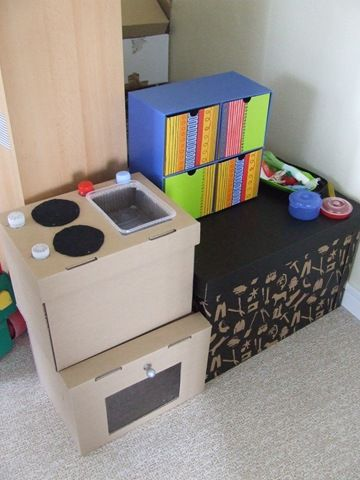 tuto faire une cuisini re enfant pour 2 la bo te aux tr sors. Black Bedroom Furniture Sets. Home Design Ideas