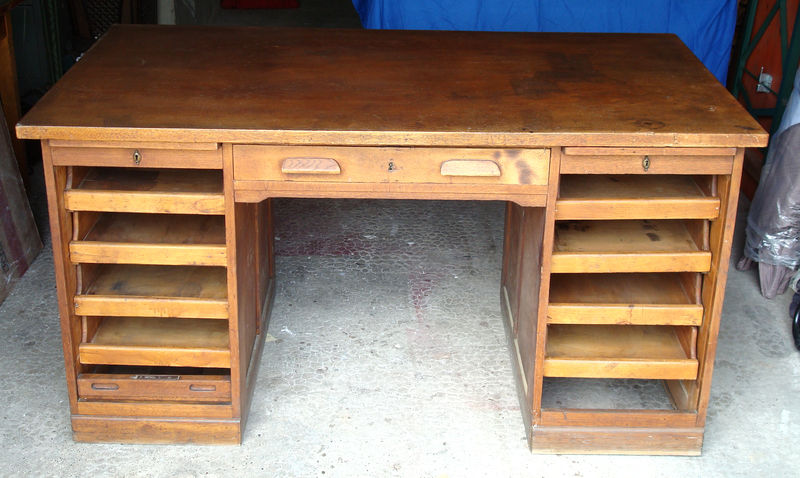Ancien bureau am ricain 1950 meuble de m tier mam 39 zelle for Portillon 1m50 de large