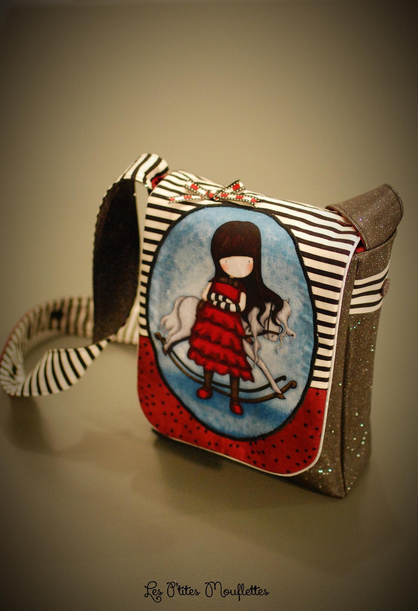 petite besace pour jeune fille les p 39 tites mouflettes. Black Bedroom Furniture Sets. Home Design Ideas